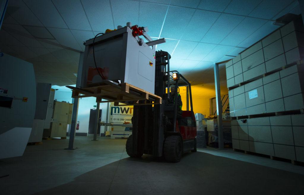machinery delivery   MW Machinery